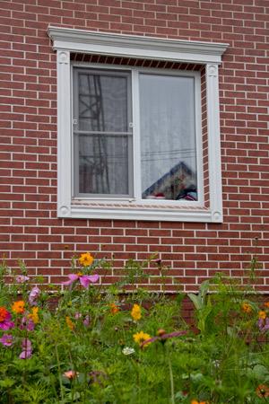 оформление окна лепниной