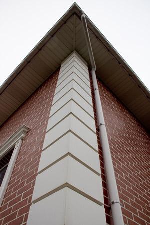 оформление углов дома - рустовые панели
