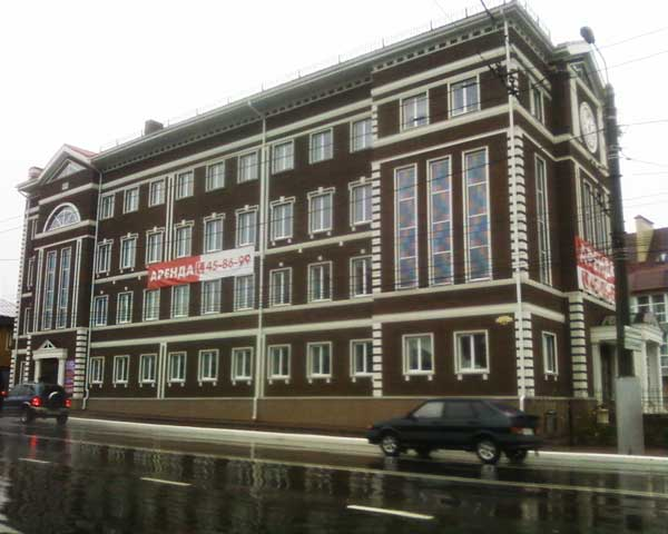 оформление фасада здания архитектурным декором из полиуретана (ппу)